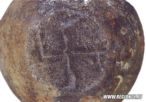 Горшок, обнаруженный на раскопках в Северной Осетии.