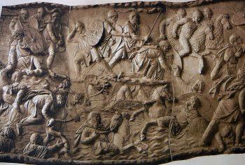 фрагмент колонны Траяна