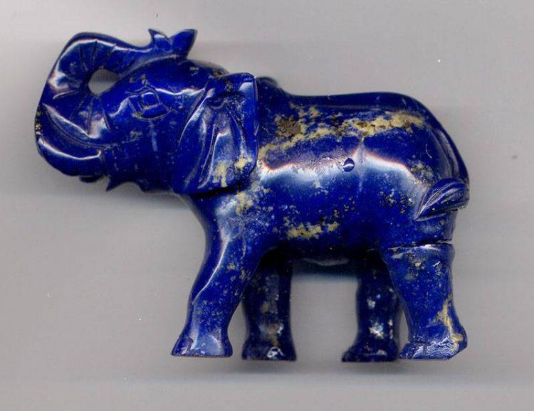 Фигурка слона из лазурита