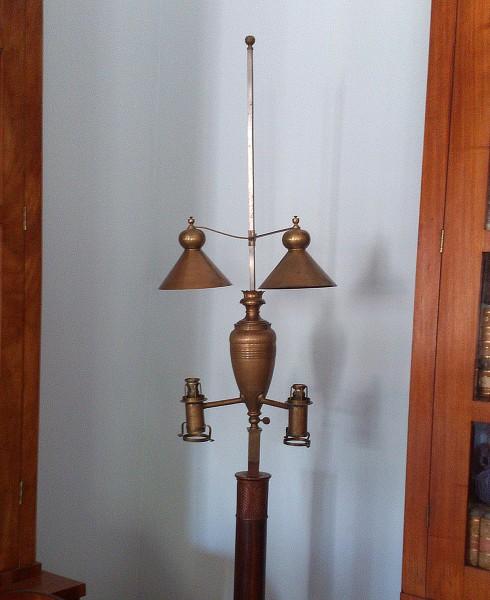 странная лампа