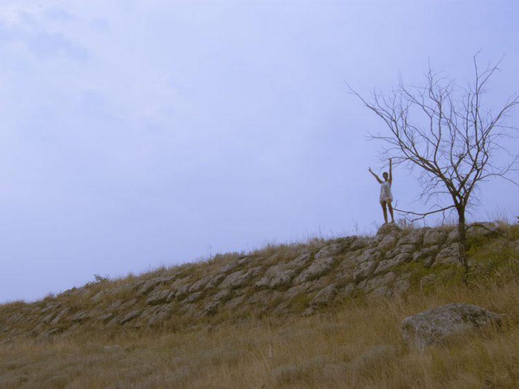 Южная стена, середина, в масштабе к человеку.