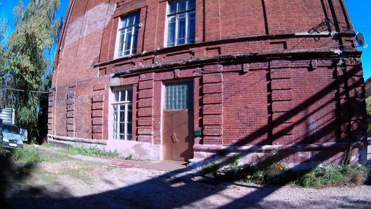 Дверь сделанная из окна