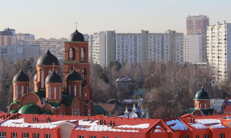 Старинные и современные строения