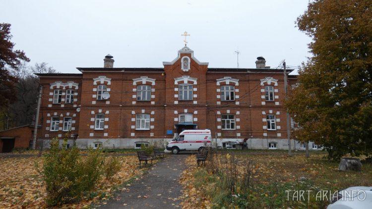 Главный корпус больницы
