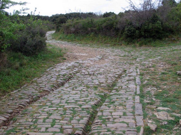 Римская дорога, Виа Аппиа Антика, Амбруссум, Франция. Источник